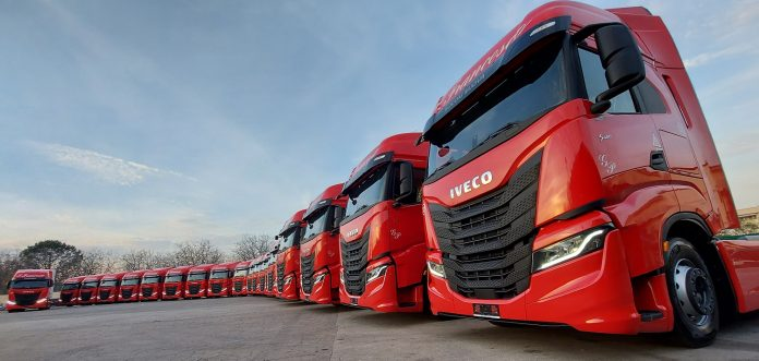 consegna iveco s-way a LTG trasporti